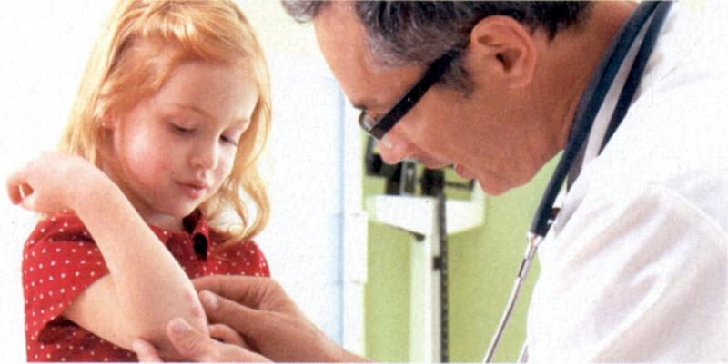 врач и девочка
