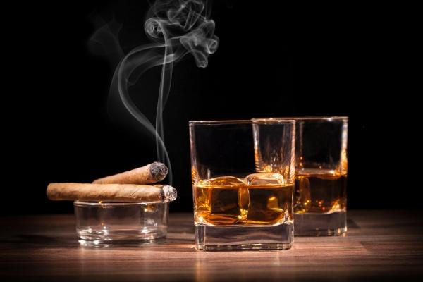 сигары и алкоголь