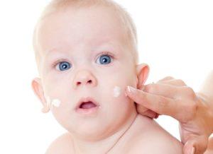 Чем увлажнять кожу при дерматите