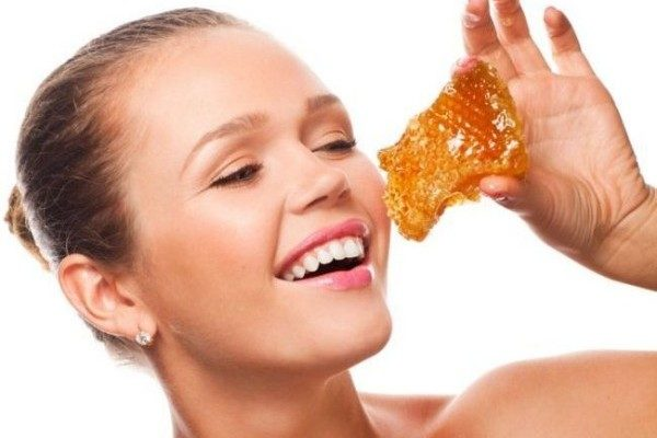 девушка и мёд