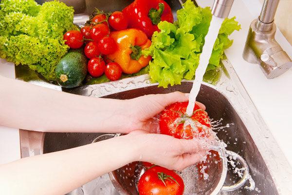 мытьё овощей