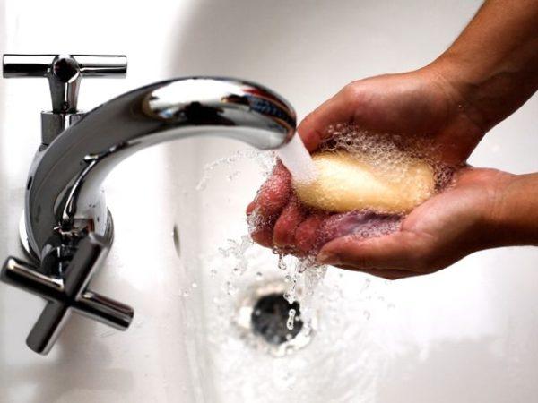 мыло и вода из-под крана